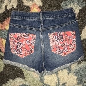 Hollister High-rise Shorts w/ Paisley Pockets